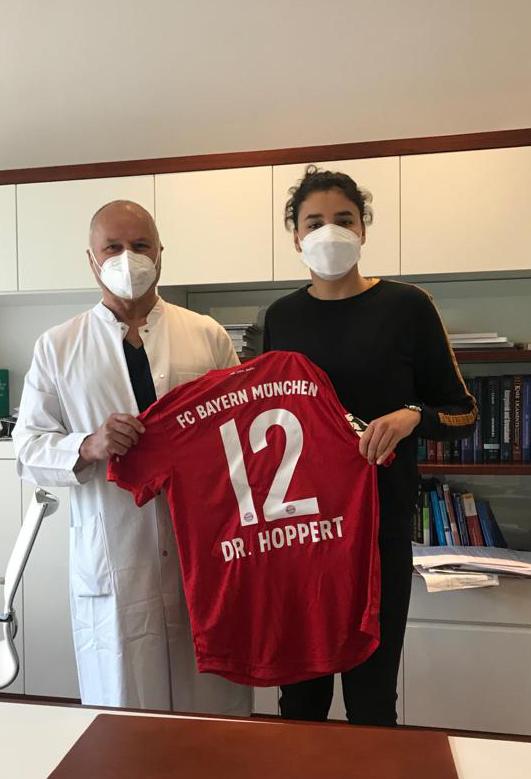 Dr. Hoppert Orthopäde und Sportmediziner in das medizinische Betreuerteam der Frauenmanschaften des FC Bayern München